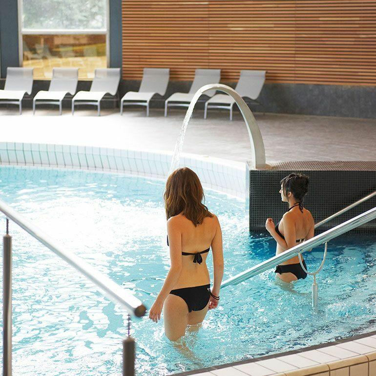 Détente à la piscine de relaxation à Luchon