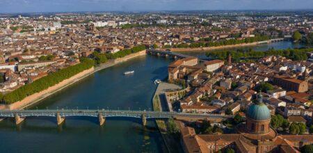 Toulouse vue sur la Grave, le Pont Neuf et la Garonne