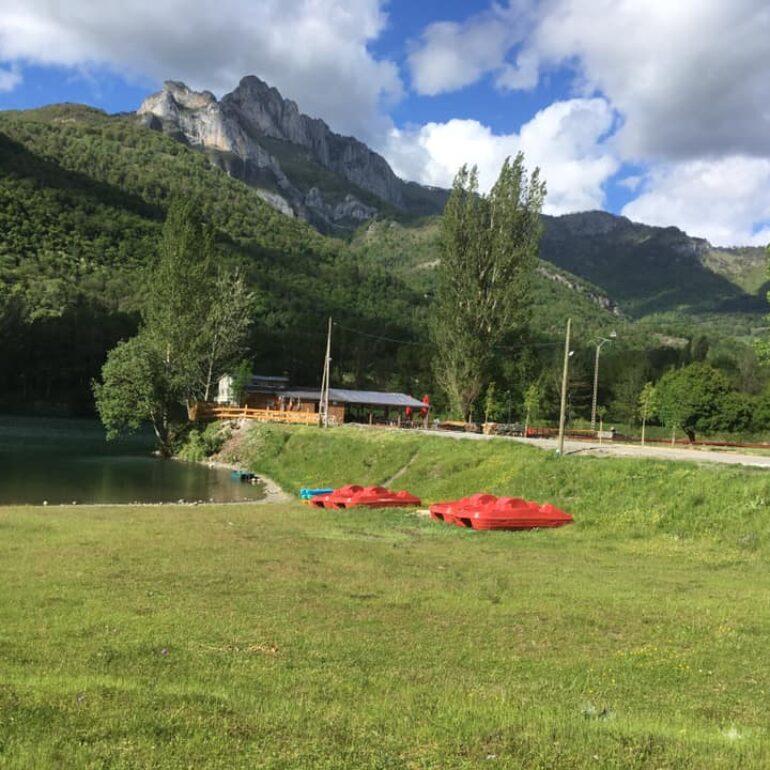 Pédalos-base de loisirs-lac de Géry