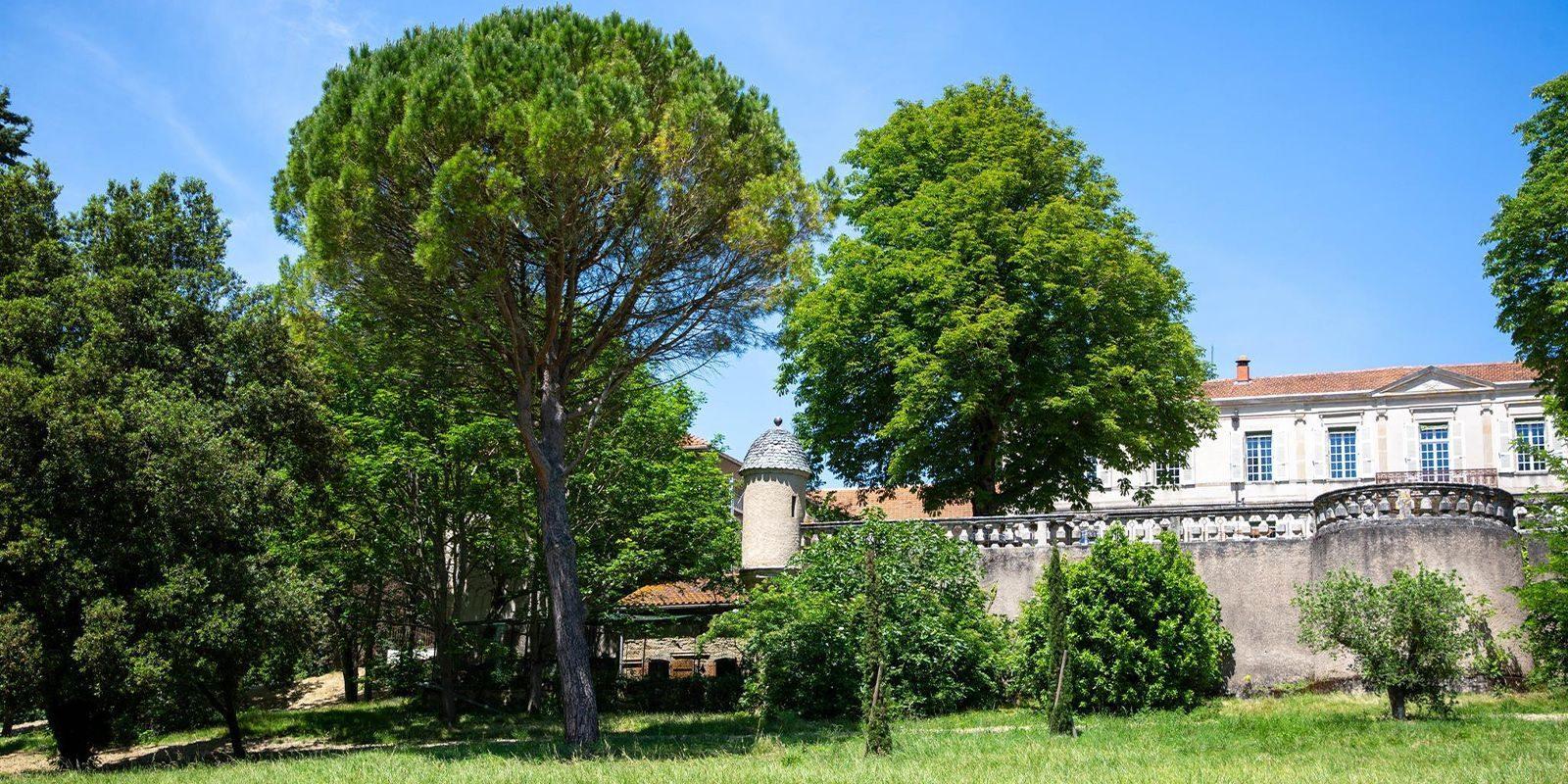 revel-domaine-montcausson-parc-chateau-chambres dhotes
